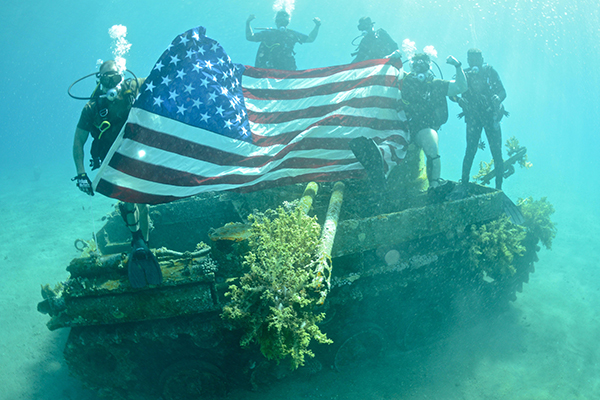 US military divers