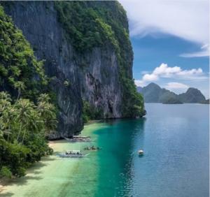Pinagbuyutan Island is a popular diving destination.