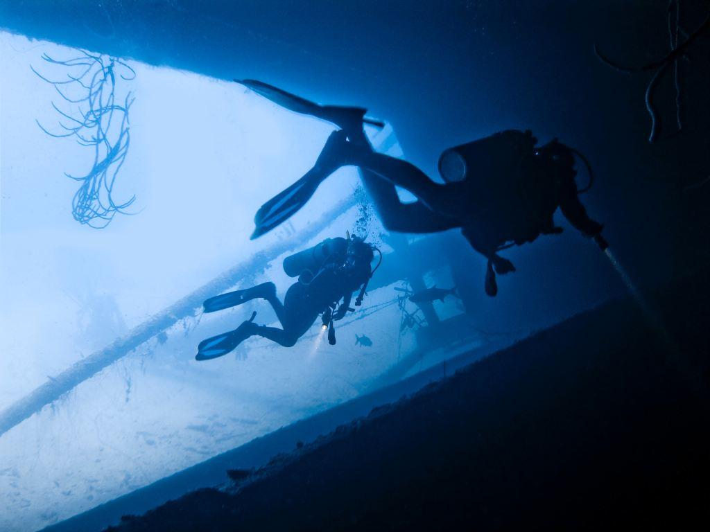 scuba diving for treasure
