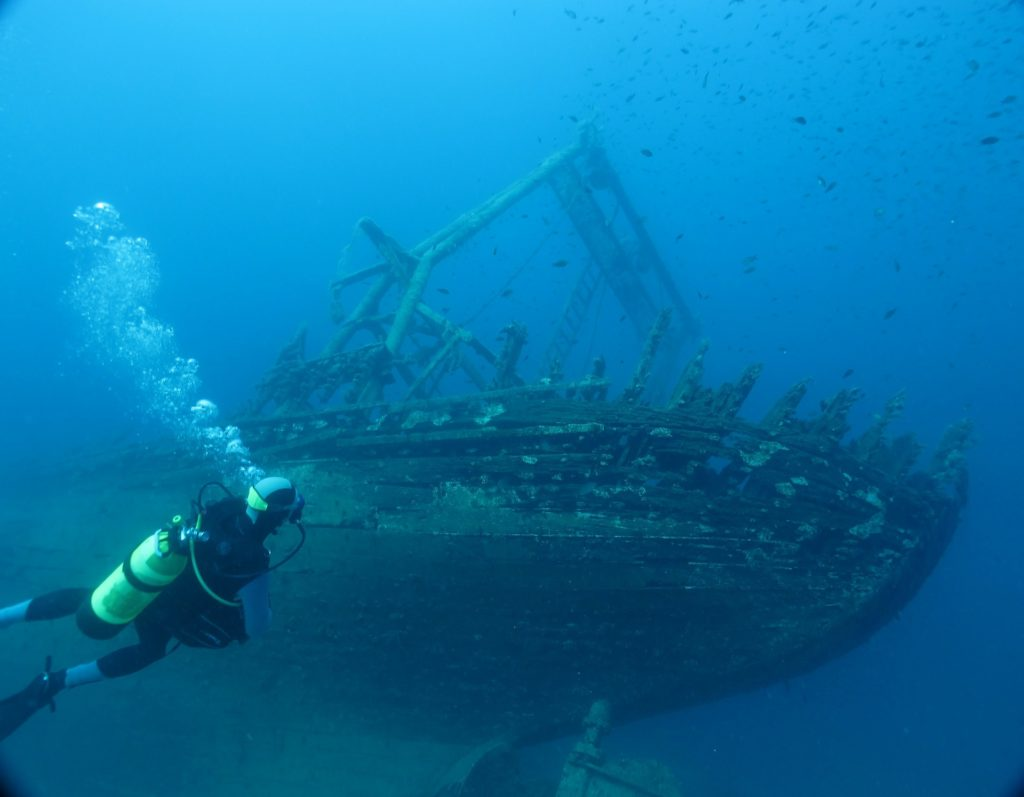 underwater shipwreck diving
