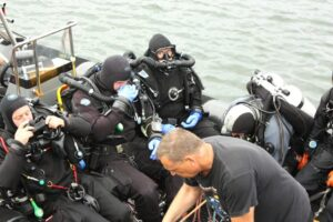 Read more about the article Basic navigation rules for divers